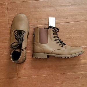 NWT Boys Boots